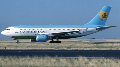 UK-31001 - Airbus A310-324 - Uzbekistan Airways