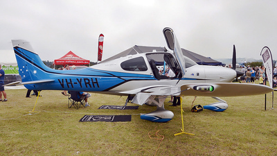 A picture of VHYRH - Cirrus SR22 - [4306] - © George Canciani