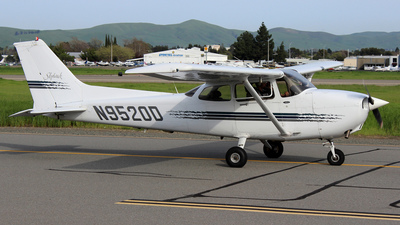 N9520D - Cessna 172R Skyhawk - Private