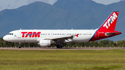 PR-MHN - Airbus A320-214 - TAM Linhas Aéreas