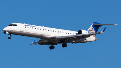 A picture of N508MJ - Mitsubishi CRJ701ER - United Airlines - © Evan Dougherty