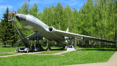 87 - Tupolev Tu-16 Badger - Soviet Union - Air Force