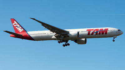 PT-MUF - Boeing 777-32WER - TAM Linhas Aéreas