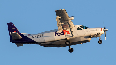 N887FE - Cessna 208B Super Cargomaster - FedEx Feeder (Mountain Air Cargo)