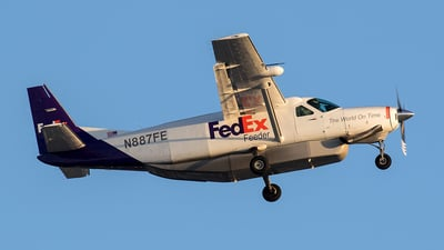 A picture of N887FE - Cessna 208B Super Cargomaster - FedEx - © Charles Cunliffe