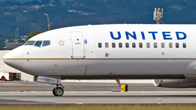 N76502 - Boeing 737-824 - United Airlines