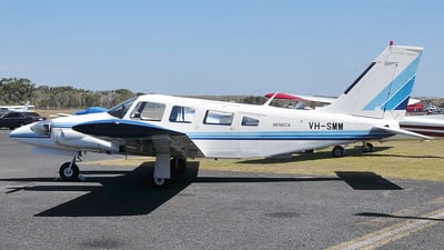 VH-SMM - Piper PA-34-200 Seneca - Private