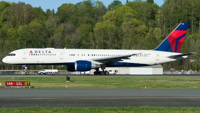 A picture of N649DL - Boeing 757232 - Delta Air Lines - © SpotterPowwwiii