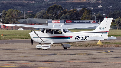 A picture of VHLCY - Cessna 172R Skyhawk - [17281113] - © Daniel Tanner