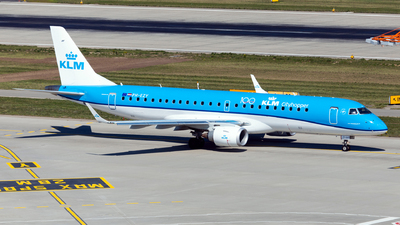 A picture of PHEZY - Embraer E190STD - KLM - © John Richard