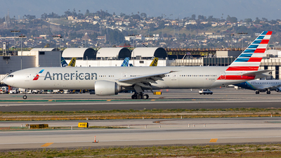 A picture of N732AN - Boeing 777323(ER) - American Airlines - © Wes Loeffler