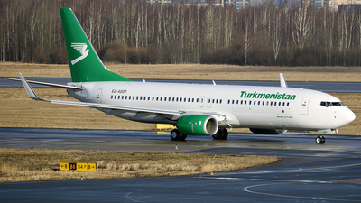 A picture of EZA020 - Boeing 73782K - Turkmenistan Airlines - © Luba Ostrovskaya