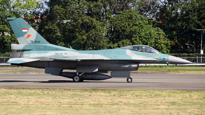 TS-1640 - General Dynamics F-16C Fighting Falcon - Indonesia - Air Force