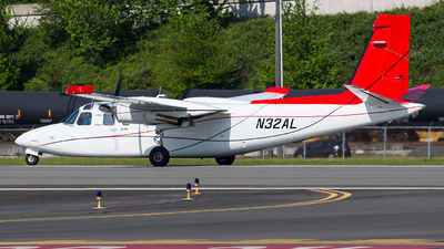 N32AL - Rockwell 690A Turbo Commander - Private