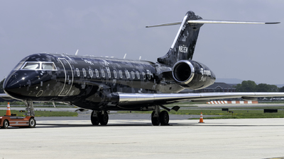 N82EM - Bombardier BD-700-1A10 Global Express XRS - Private