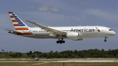 A picture of N816AA - Boeing 7878 Dreamliner - American Airlines - © René Domínguez Barrios