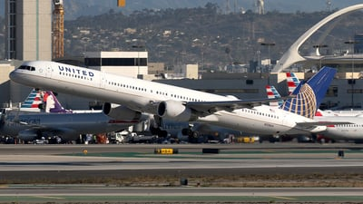 N73860 - Boeing 757-33N - United Airlines