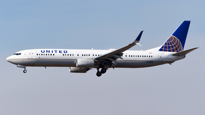 A picture of N62896 - Boeing 737924(ER) - United Airlines - © Rocky Wang