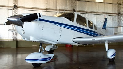 LV-HOK - Piper PA-28-151 Cherokee Warrior - Private