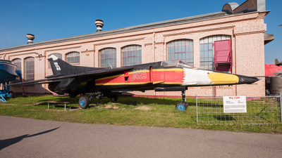 9825 - Mikoyan-Gurevich MiG-23BN Flogger H - Czech Republic - Air Force