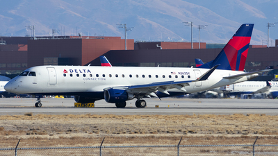 A picture of N262SY - Embraer E175LR - Delta Air Lines - © Michael Rodeback