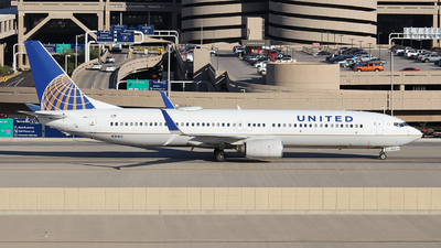 A picture of N31412 - Boeing 737924 - United Airlines - © XueQing