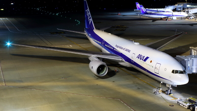 A picture of JA716A - Boeing 777281(ER) - All Nippon Airways - © kouyagi