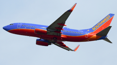 N218WN - Boeing 737-7H4 - Southwest Airlines