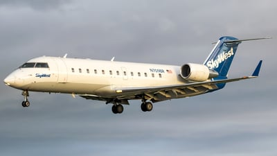 A picture of N709BR - Mitsubishi CRJ200LR - SkyWest Airlines - © Ricky Teteris