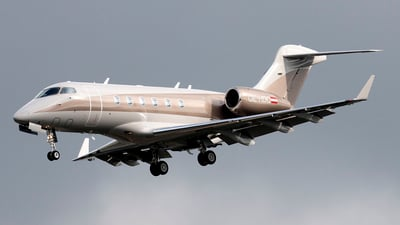 OE-HDC - Bombardier BD-100-1A10 Challenger 300 - Amira Air
