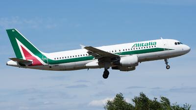 A picture of IBIKI - Airbus A320214 - Alitalia - © Carlö Dedöni - AVIOMedia