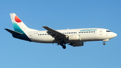A picture of SXLWA - Boeing 737330 - Lumiwings - © Alexander Portas