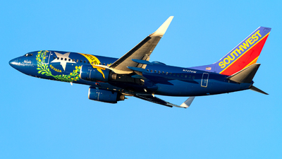 A picture of N727SW - Boeing 7377H4 - Southwest Airlines - © OCFLT_OMGcat