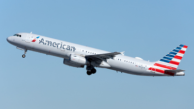 A picture of N562UW - Airbus A321231 - American Airlines - © OCFLT_OMGcat