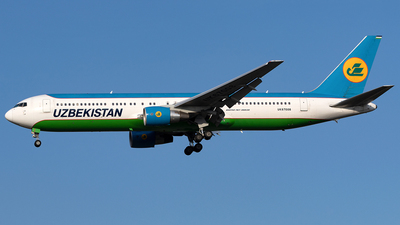 A picture of UK67008 - Boeing 76733P(ER) - Uzbekistan Airways - © Maximilian Haertl