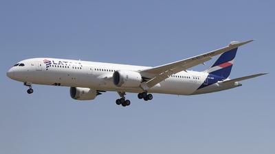 A picture of CCBGP - Boeing 7879 Dreamliner - LATAM Airlines - © Claudio Pérez