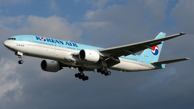 HL7575 - Boeing 777-2B5(ER) - Korean Air