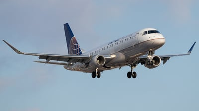 A picture of N89342 - Embraer E175LR - United Airlines - © Shon Fridman