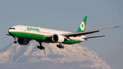 A picture of B16707 - Boeing 77735E(ER) - EVA Air - © Jay Cassady