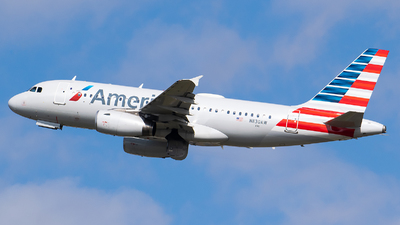A picture of N830AW - Airbus A319132 - American Airlines - © Evan Dougherty