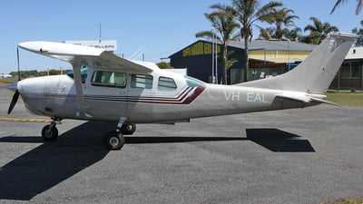 VH-EAL - Cessna TU206C Super Skywagon - Private