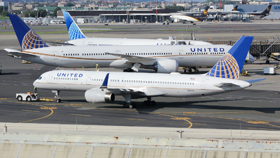 A picture of N13110 - Boeing 757224 - United Airlines - © Xiamen Air 849 Heavy