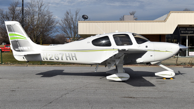 A picture of N267HH - Cirrus SR22T - [0878] - © Brady Noble