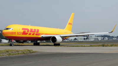 A picture of HP3310DAE - Boeing 767304(ER)(BCF) - DHL - © Julio Letona