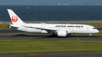 JA826J - Boeing 787-8 Dreamliner - Japan Airlines (JAL)