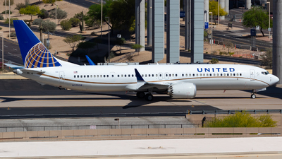 A picture of N37508 - Boeing 737 MAX 9 - United Airlines - © Saul Hannibal