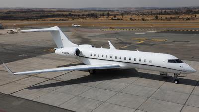M-LWSA - Bombardier BD-700-1A10 Global Express - Premium Jet