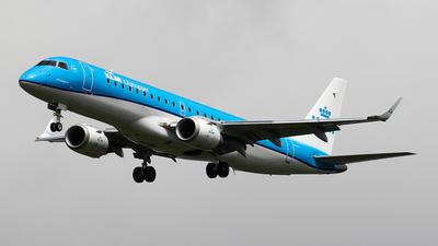 A picture of PHEZD - Embraer E190STD - KLM - © C. v. Grinsven