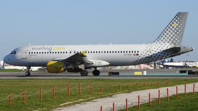 EC-KRH - Airbus A320-214 - Vueling