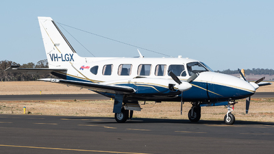 A picture of VHLGX - Piper PA31350 - [318452001] - © Jayden Laing